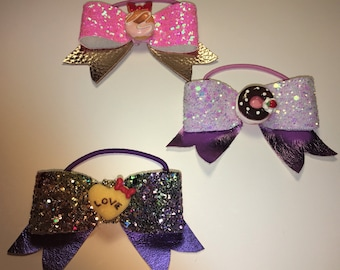 Set of three nodes with elastic we spangle fabric and leather smile! For girl!