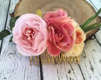 Floral hair comb boho hair comb Wedding flower clip Bridesmaid hair comb beach wedding hair clip Wedding floral comb flower hairpiece
