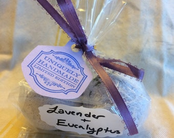 SOOTHE Homemade Bath Bombs