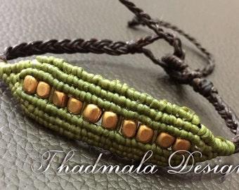 Boho macrame and brass beads bracelet