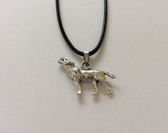 Wolf necklace / Wolf jewellery / animal necklace / animal jewellery / animal lover gift