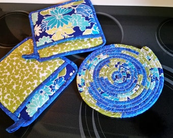 Green Apple/Blues Potholders and Trivet