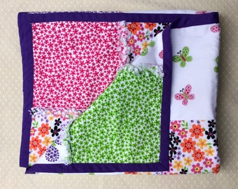 Rag Quilt Handmade - Butterflies and Flowers - Tummy time size - 28 in x 35 1/2 in - 71 x 90 cm