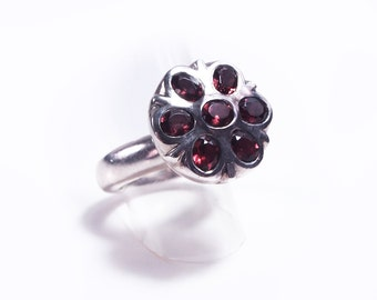 Flower silver and Garnet ring