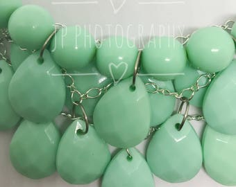 Bib teardrop necklace