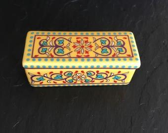 Del Prado trinket box. Porcelain pill box. Vintage pill box. ep 14 pill box. Collectable pill boxDel Prado trinket box. Porcelain pill box.