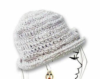 Cloche hat with brim. Crochet wool