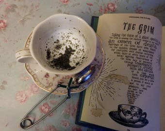 The Grim Teacup - Harry Potter Hogwarts Divination Real Tea Leaves
