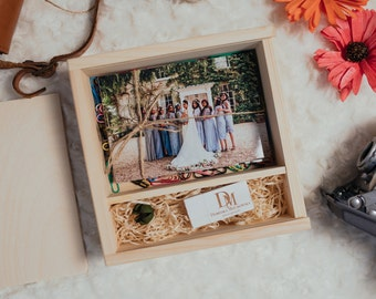 """Square Wooden Box for prints 4x6"""" + USB 
