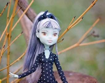 repaint monster high doll Frankie - more dots style