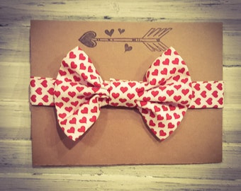valentine's day bow tie// baby bow tie// toddler bow tie// photo prop