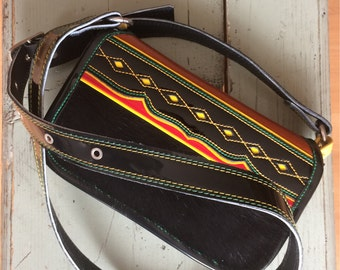 Woman bag / traditional Colombian handbag / Natural and hair leather / black, brown, yellow, red, green / Carriel para mujer, negro, marrón