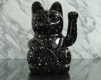Maneki Neko / Lucky Cat / Waving Cat in 2 Sizes – Black/White Speckle