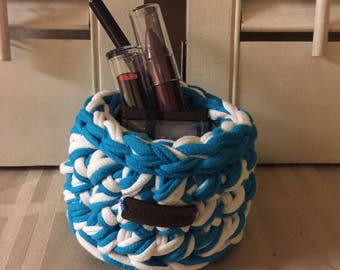 Mini round turquoise and white crocheted storage basket / Housewarming Gift / Graduation / Home Decor/ Catch All Basket