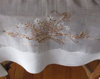 Batiste Table Cover Off White
