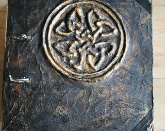 Celtic knot. Book of Shadows, Spells or Grimoire.