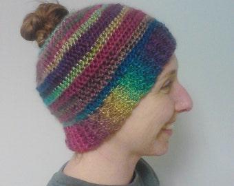 Messy Bun Hat, Ponytail Hat, Hat with pontytail, Handmade Toboggan, Ponytail Toboggan, Warm Hat, Warm Sports Hat, Sports Hat