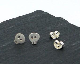 Silver Skull Earrings, Handmade skull earrings, Small Skull Stud Earrings, 925 Sterling Silver Skull Earrings