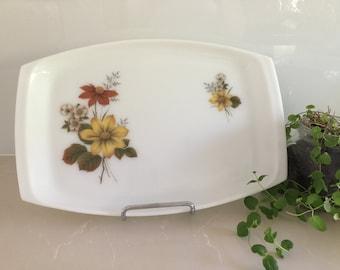 Vintage JAJ Pyrex 'Autumn Glory/Dahlia' Meat Platter
