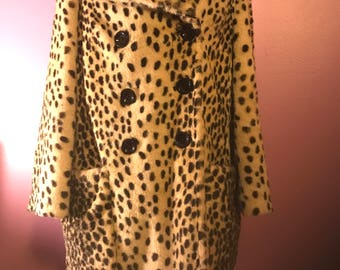 Amazing Vintage Style Faux Fur  Leopard Coat Great Condition Size Med/Large