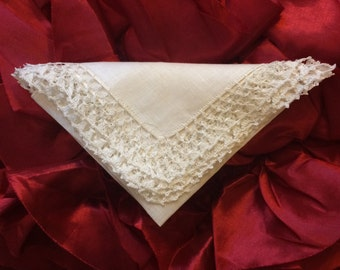 "Heirloom Tatted Lace Linen Handkerchief - Vintage - 13"" X 13"""