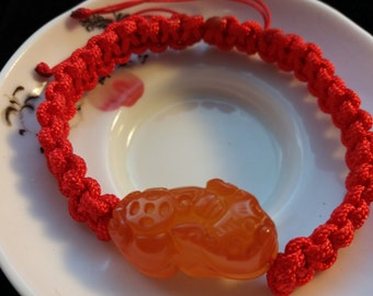 Chinese Red String Bracelet with One Chinese Lucky Animal Natural Agate Bead