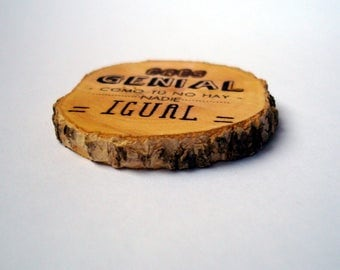 Slices of wood with engraved personalized