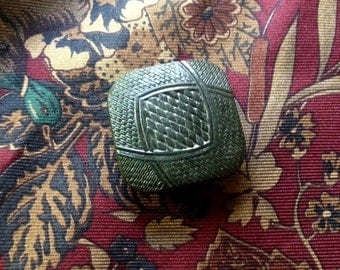 1 antique olive green pressed wood button
