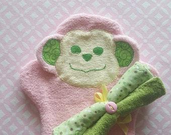 Scrubby Monkey Mitt Bathtime Set
