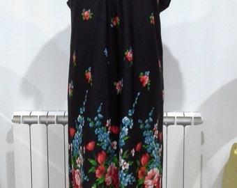 Vintage 1970s black maxi dress size 44/46