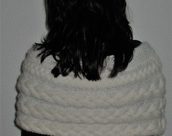 Wedding Poncho  Cable Knitted Shawl Capelet Wedding Shrug Poncho Nec , color white. Choose color.