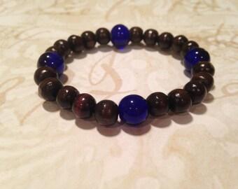 Wood and blue glass stretchy bracelet