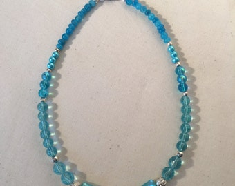 Beautiful turquoise glass bead necklace