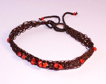 Necklace made of waxed thread