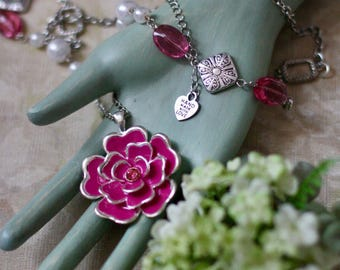 Pretty in Pink Flower Pendant Necklace