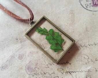Leaves glass necklace ~ bronzefarben ~.