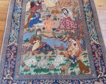 Persian rug Esfahan 5.4 × 3.7 ft 163 × 108 cm