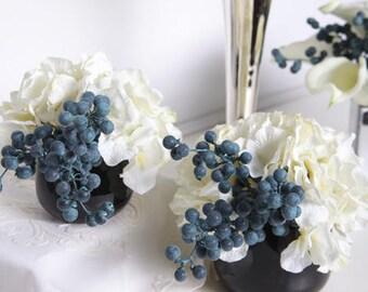 Luxury White Hydrangea and Berry in Black Vase (Set of 2)