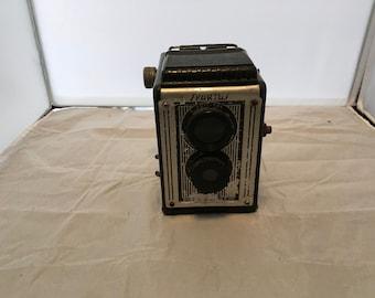 Vintage SPARTUS FULL-VUE 120 Box camera