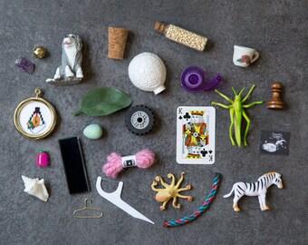 Montessori A-Z Phonics Miniatures - I Spy Sound Game - Alphabet Objects - Phonetic Beginning Sounds Early Literacy Preschool Activity