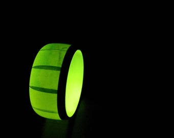 Green Watermelon glow in the dark resin and carbon fiber ring - US size 8