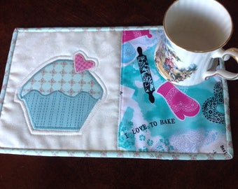 Mug rug, handmade cupcake mug rug, place mat, coaster, Mother's Day gift