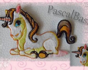 Patch Unicorn horse application, aufbügelbar, embroidery thread.