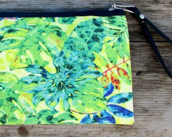 Wristlet Clutch / Purse / Wallet