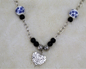 BC116 Blue and White Hand Painted Bead Necklace