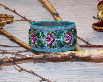 Bracelet with handmade embroidery