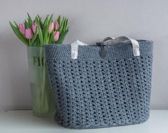 Big grey crochet bag