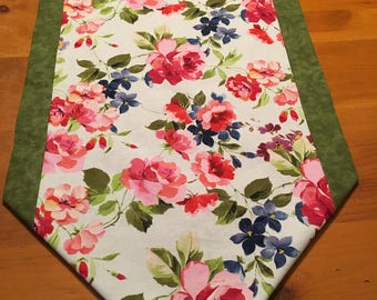 Table runner, floral, flowers, green, pink, purple