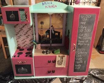 Custom made kid's kitchen