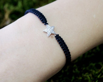 925 silver bracelet and knot Macrame with star stones. Rhodium-plated sterling silver entrepieza and hand made knots. Macrame Star Bracelet.